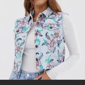 Levis Floral Embroidered Denim Vest sz Small